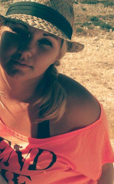 Ludmila, 23 cherche m'amuser
