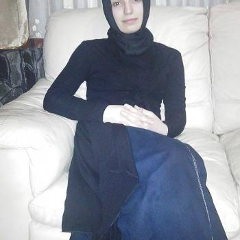 Safia cherche nouvelles expériences